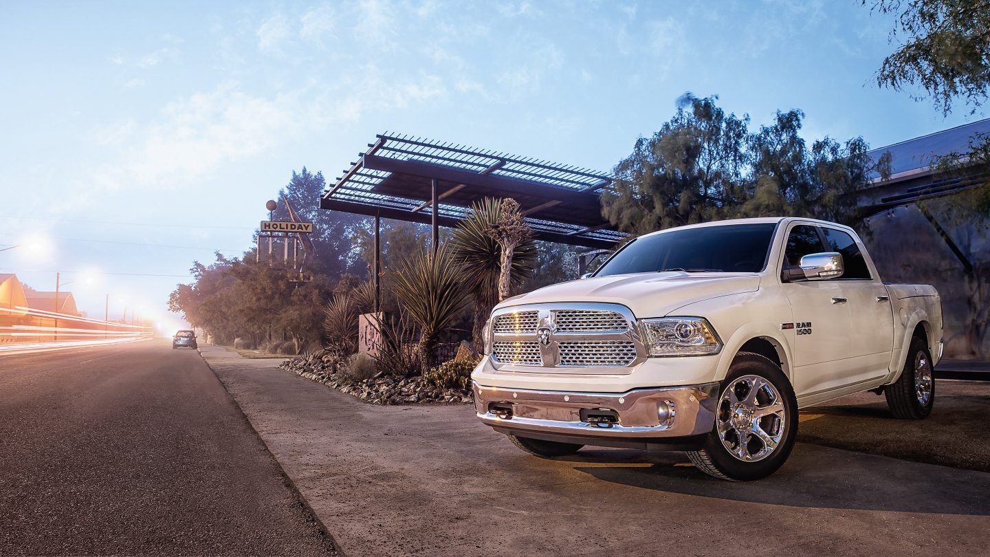 2017 Ram 1500 Front Exterior White